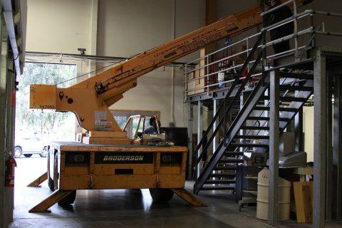 Broderson Cranes for Rent - Crainco Inc.