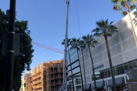 Mobile Crane Lift - Crainco Inc.